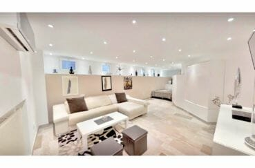 vente immobilier costa brava: villa de 480 m², salon avec climatisation réversible, spots encastrés