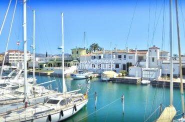 maison a vendre a empuriabrava, 5 pièces 122 m² avec amarre et garage dans secteur privilégié, proche plage