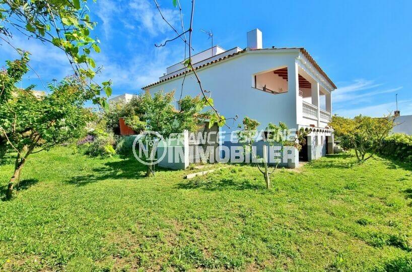 achat maison rosas, 4 pièces 282 m², terrasse  solarium, terrain 820 m² avec arbres fruitiers et puit d'eau, proche plage