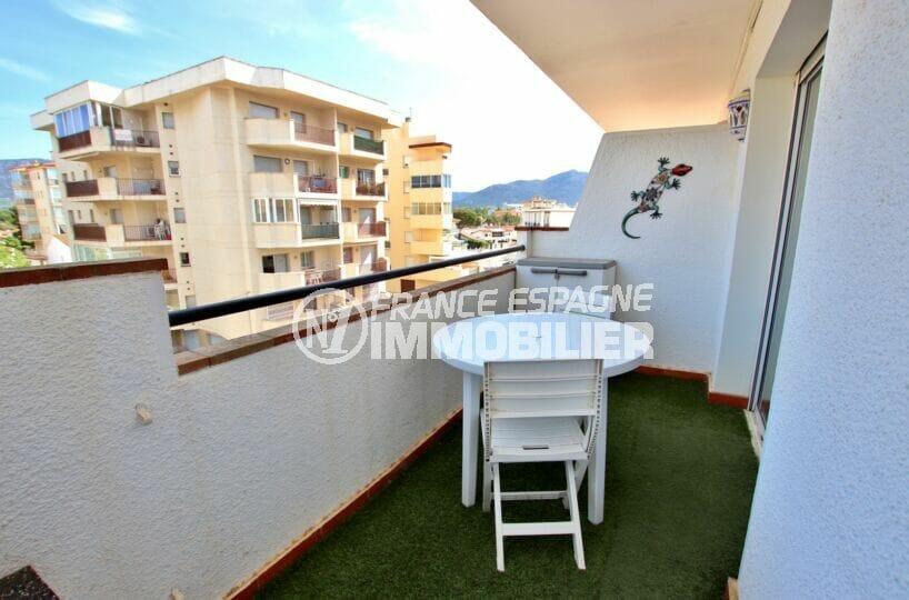 vente appartement rosas, 2 pièces 40 m² avec terrasse, parking privé, plage à 200 m