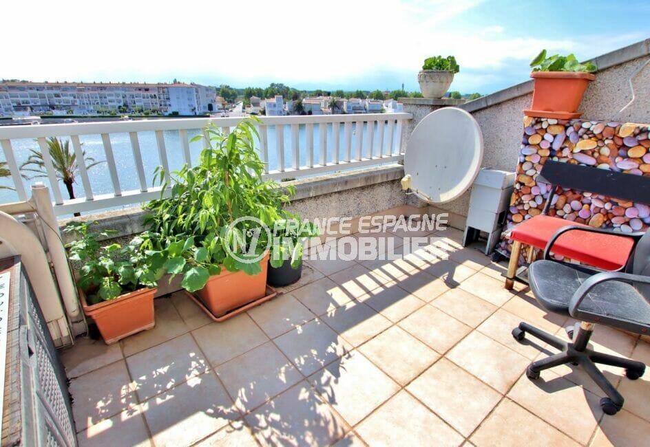 appartement empuriabrava, 46 m² avec agréable terrasse de 12 m², vue lac