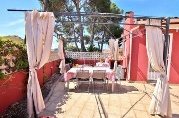 maison a vendre rosas, villa 109 m², terrasse solarium avec tonnelle pour le soleil