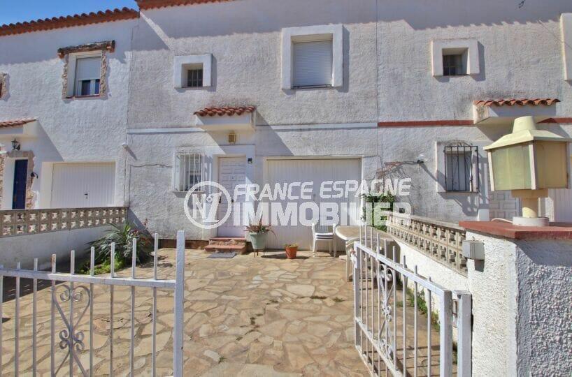 maison a vendre empuria brava, 105 m², cour intérieure, possibilité terrasse ou parking