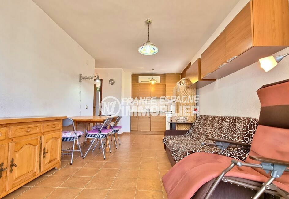 appartement a vendre costa brava, 2 pièces 51 m², /séjour avec coin cuisine, plafonniers