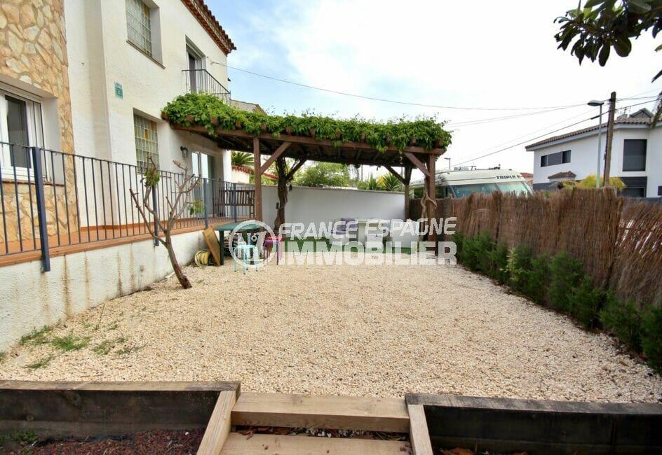 empuriabrava immo: villa  5 pièces 265 m², petite terrasse couverte, toiture végétale