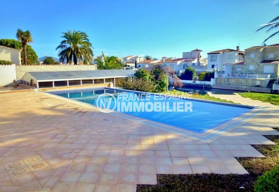 maison a vendre empuria brava, 213 m² avec 4 chambres, piscine à côté du canal