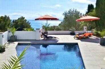 maison a vendre a rosas vue mer, 300 m², piscine au sol, douche extérieur