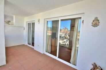 agence immo rosas: appartement 2 pièces 48 m², terrasse de 12 m² donnant sur le salon