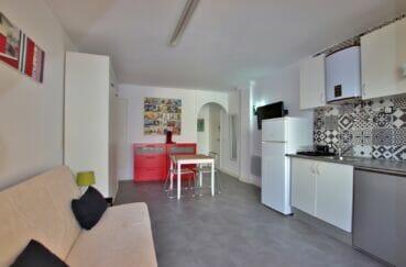 appartement a vendre a santa margarita, pièce principale avec son coin cuisine
