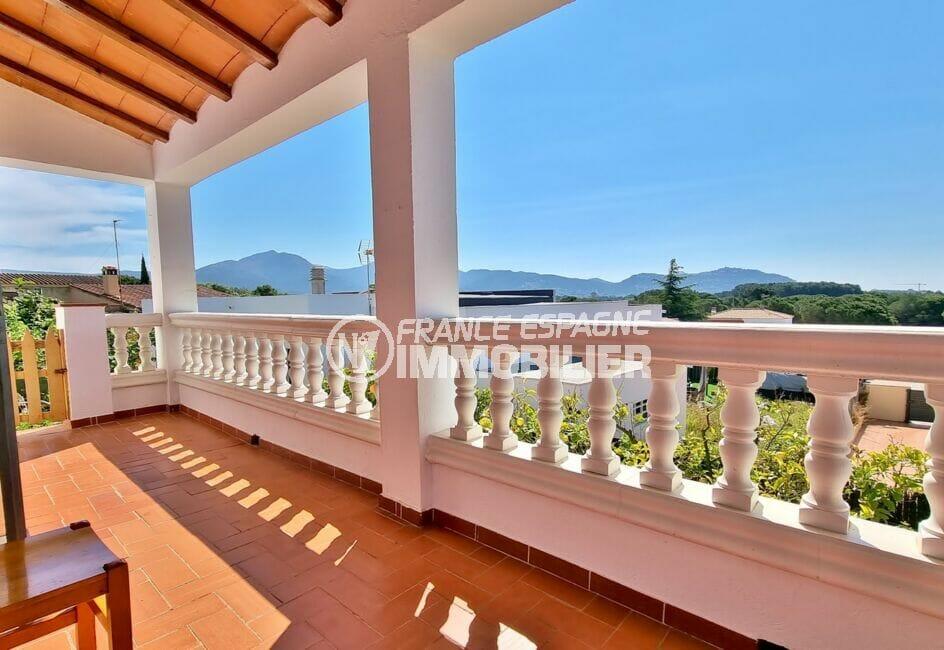 maison a vendre espagne, 4 pièces 282 m² avec belle terrasse solarium, vue montagne