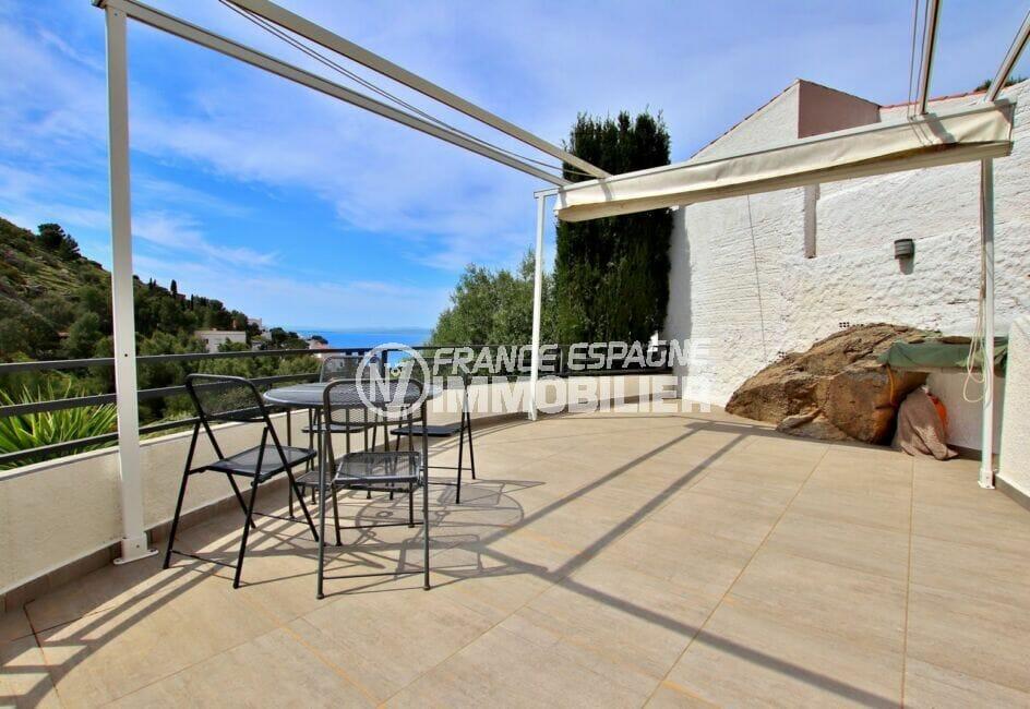 achat maison costa brava, 300 m², grande terrasse avec tonnelle