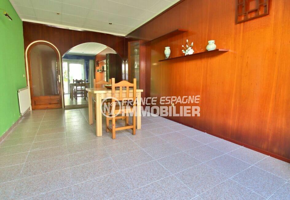 maison à vendre empuriabrava, 105 m² avec terrasse, salon / salle à manger, carrelage au sol