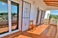 achat maison roses espagne, 4 pièces 282 m², grilles ouvrantes sur les portes-fenêtres de la terrasse
