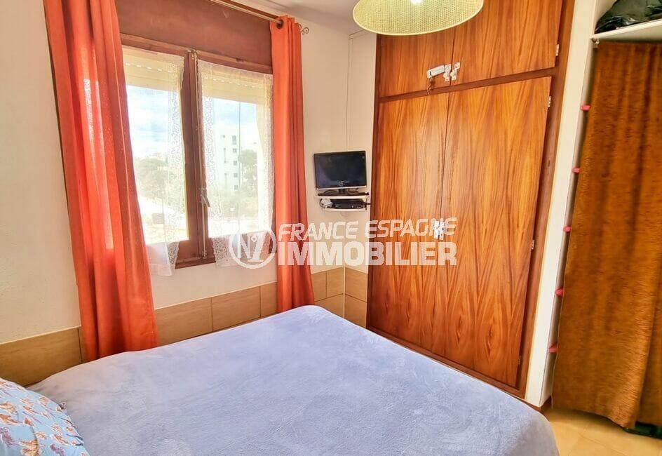 achat appartement rosas, 2 pièces 51 m², chambre à coucher avec armoire encastrée