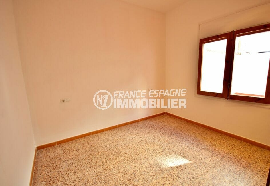 achat appartement costa brava, 3 pièces 66 m², chambre à coucher avec carrelage au sol