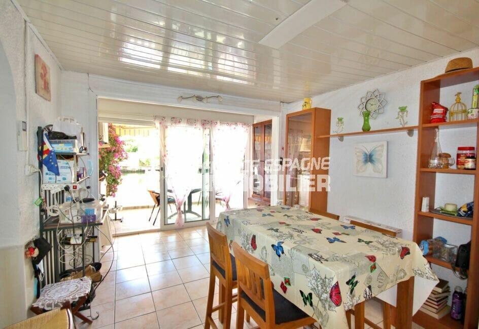 acheter appartement costa brava, appartement de 38 m², séjour avec coin repas