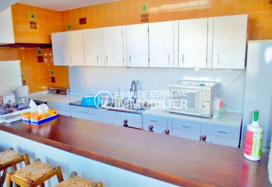 maison à vendre empuriabrava, 200 m² avec 4 chambres, cuisine, nombreux rangements
