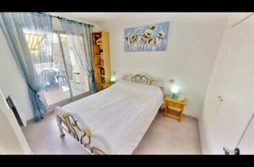 achat appartement empuriabrava, 53 m², 1° chambre à coucher avec lit double, terrasse