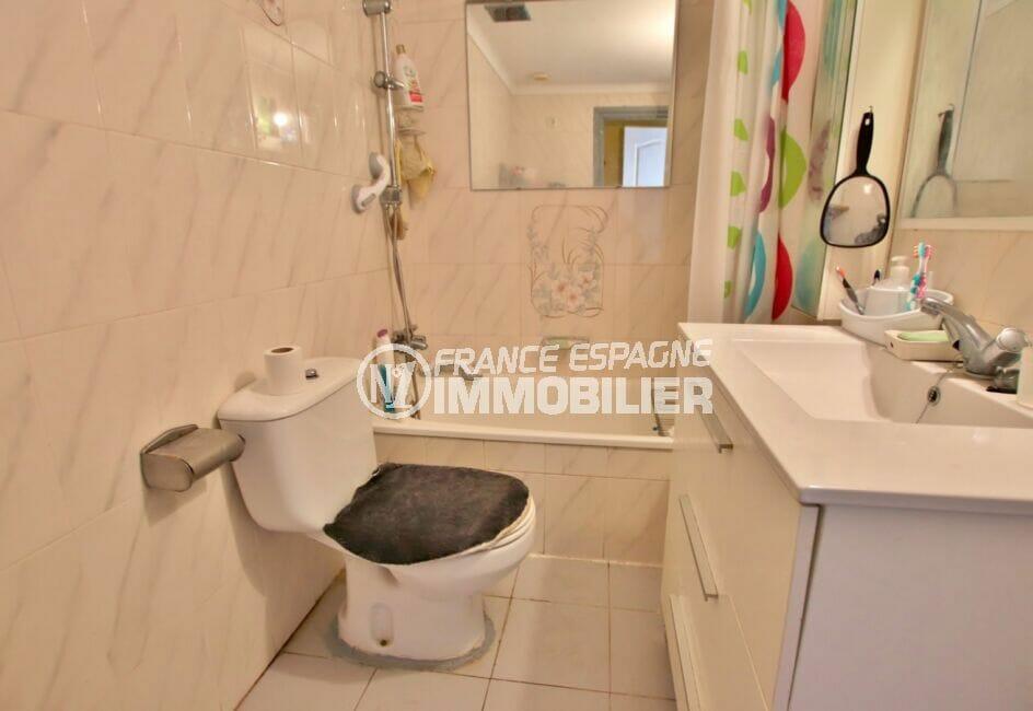 achat appartement empuriabrava, 46 m² avec salle de bain , baignoire,wc