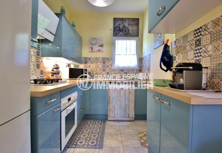 vente maison rosas espagne, 3 pièces 92 m², jolie cuisine indépendante, aménagée et équipée