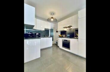 achat appartement empuriabrava, 3 pièces 86 m², cuisine américaine aménagée et équipée