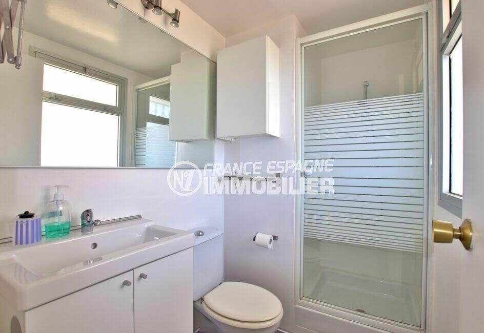 roses santa margarida: studio 27 m², salle d'eau avec douche et wc