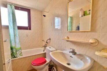 appartement a vendre a rosas, 2 pièces 51 m², salle de bain avec baignoire et wc