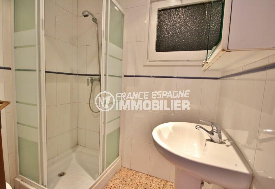 vente appartement costa brava, 3 pièces 66 m², salle d'eau avec douche