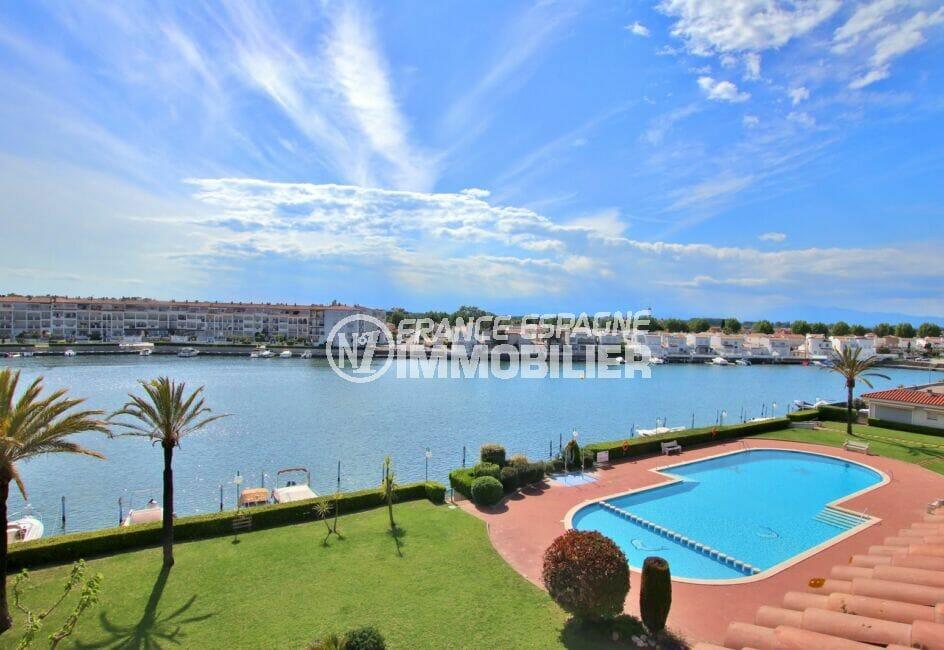 immocenter empuriabrava: appartement 46 m², piscine communautaire, vue lac