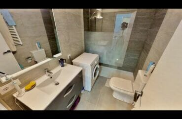immocenter empuriabrava: appartement 53 m² avec 2 chambres, salle d'eau avec douche italienne
