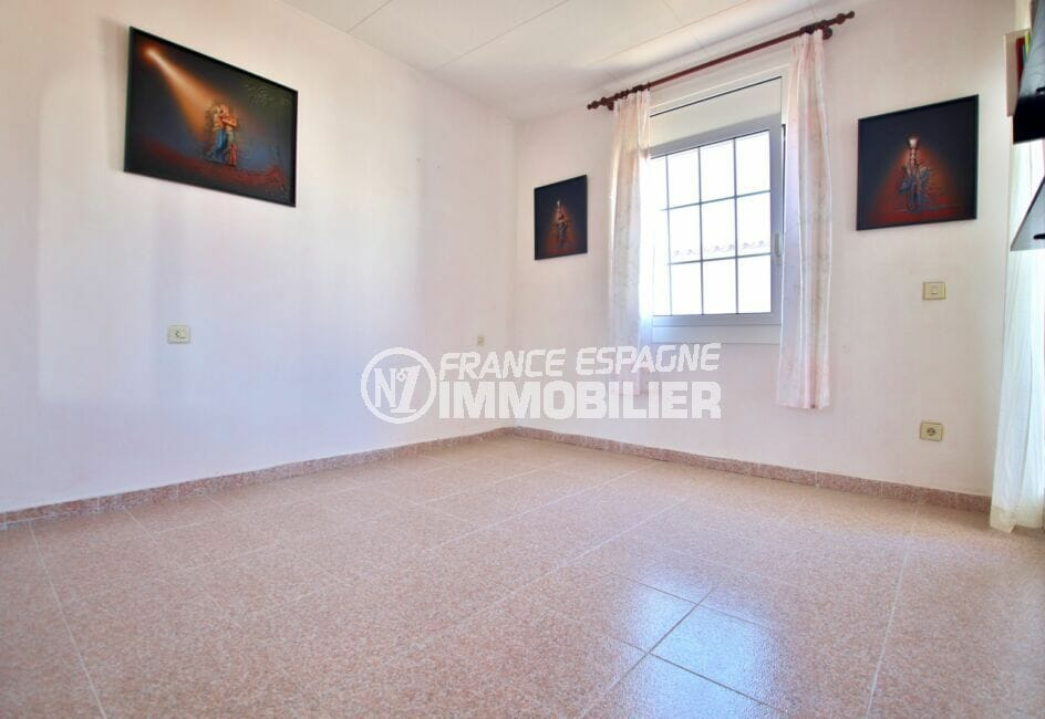 achat maison empuriabrava, 105 m² avec terrasse, chambre à coucher lumineuse