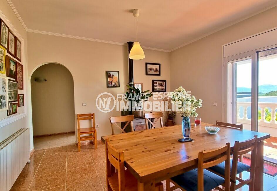 immo center rosas: villa 4 pièces 282 m², séjour avec salle à manger, terrasse