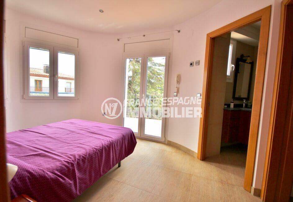 vente empuriabrava: villa  5 pièces 265 m², suite parentale avec salle d'eau et dressing
