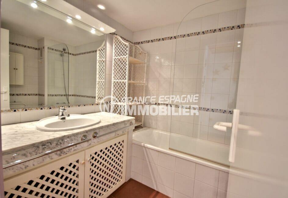 acheter appartement costa brava, 2 pièces 48 m², salle de bain avec baignoire