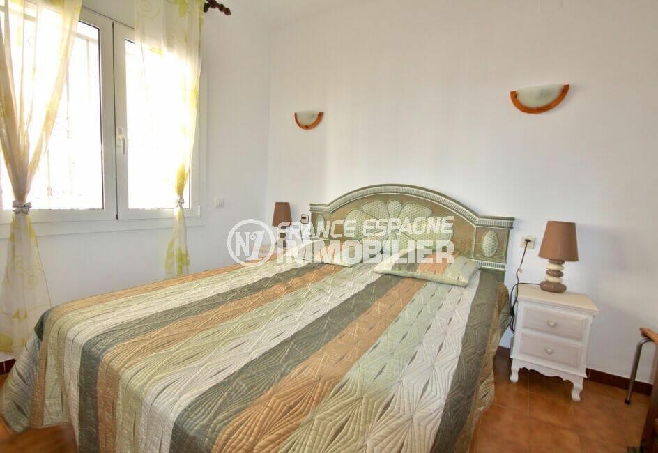 achat appartement espagne costa brava, appartement de 38 m², chambre avec lit double