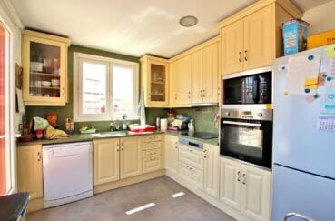 maison a vendre espagne rosas: villa 109 m², cuisine aménagée et équipée, four, plaques