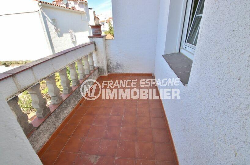 vente empuriabrava: villa 105 m² avec balcon