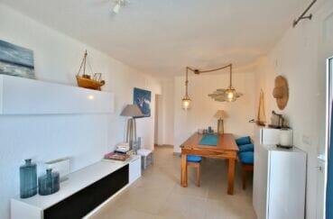 immocenter roses: villa 300 m², salon / séjour avec lumineux