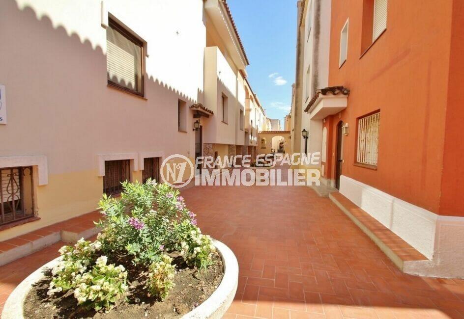 immobilier espagne costa brava vue mer: appartement  2 pièces 41 m², résidence calme et fleurie