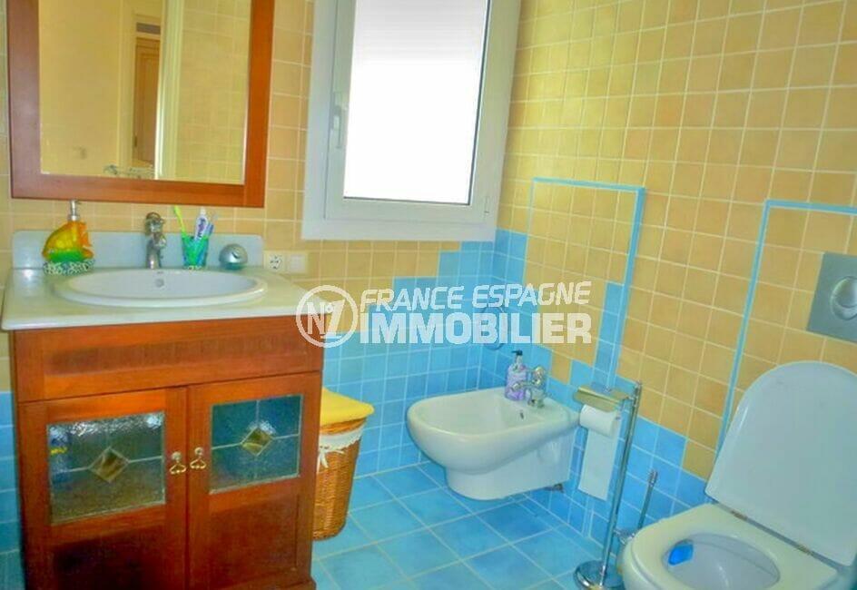 amarre empuriabrava: villa 213 m² avec 4 chambres, salle d'eau avec wc et bidet
