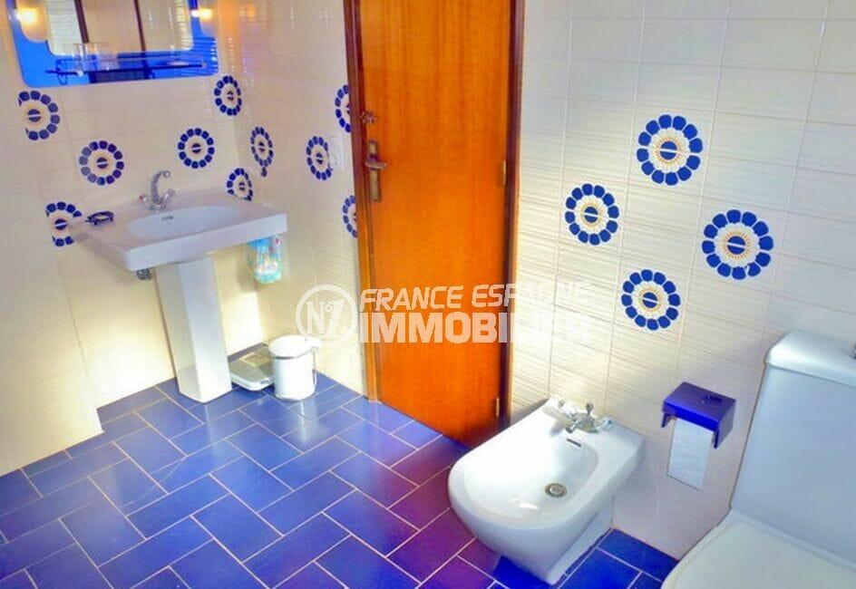 amarre empuriabrava: villa 200 m² avec 4 chambres, salle de bain avec wc et bidet