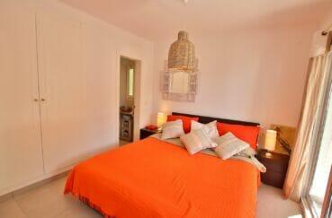 achat maison sur la costa brava, 300 m², chambre avec grande amoire / penderie