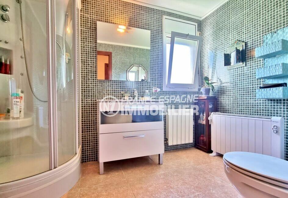 vente villa rosas, 4 pièces 282 m², salle d'eau avec douche hydromassante, wc