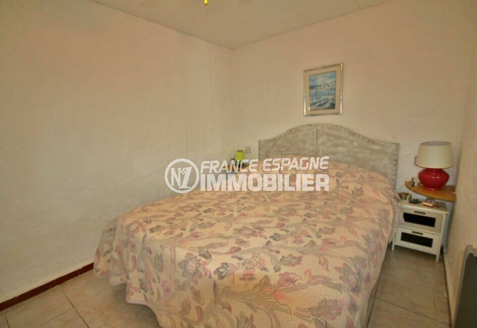 la costa brava: appartement de 38 m², chambre à coucher, lit double
