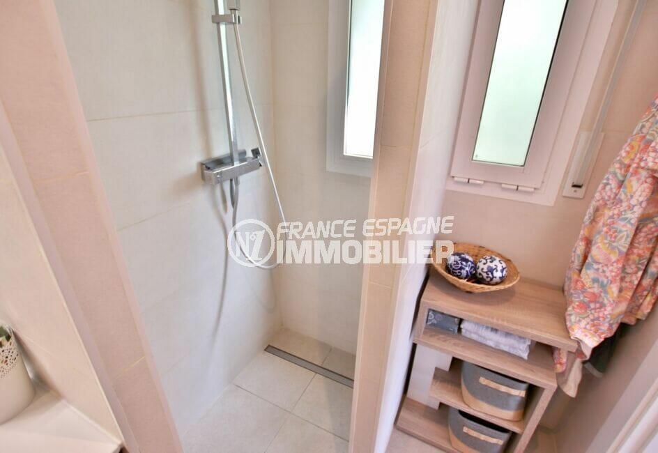 vente immobilière costa brava: 300 m², salle d'eau avec douche