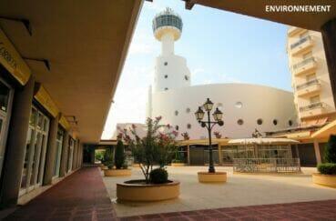 empuriabrava, ses nombreux commerces, restaurants et ses belles plages