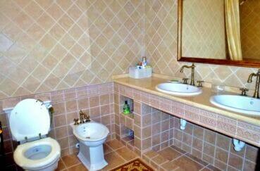 la costa brava: villa 213 m² avec 4 chambres, salle de bain avec wc et bidet
