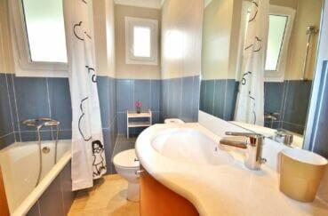 acheter maison costa brava,  5 pièces 265 m², salle de bain avec baignoire et wc