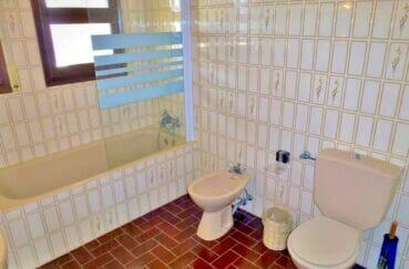 immocenter empuriabrava: villa 200 m² avec 4 chambres, salle de bain, wc et bidet