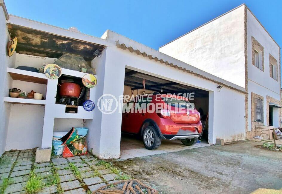 maison a vendre roses, 4 pièces 282 m², garage et parking privés, abri pour rangement